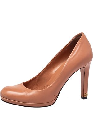 Gucci Women Platforms - Leather Round Toe Pumps Size 37