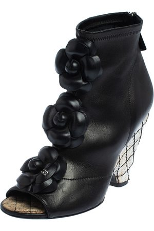 CHANEL Women Ankle Boots - Leather Zipper Ankle Boots Size 36