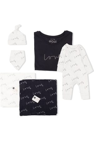 From Babies With Love Love mum & new baby organic cotton gift set
