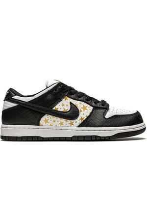 Nike SB Dunk Low sneakers