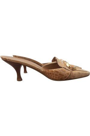 Stuart Weitzman Women Mules - \N Leather Mules & Clogs for Women