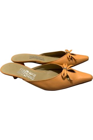 Salvatore Ferragamo \N Leather Mules & Clogs for Women