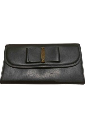 Salvatore Ferragamo \N Leather Clutch Bag for Women