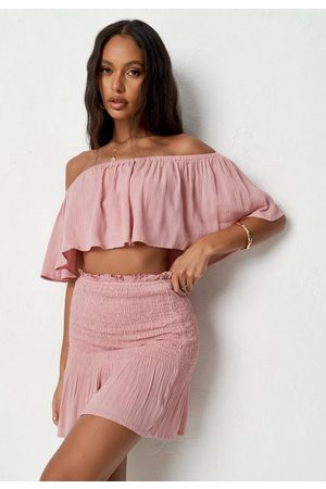 Missguided Rose Ruched Frill Hem Mini Skirt