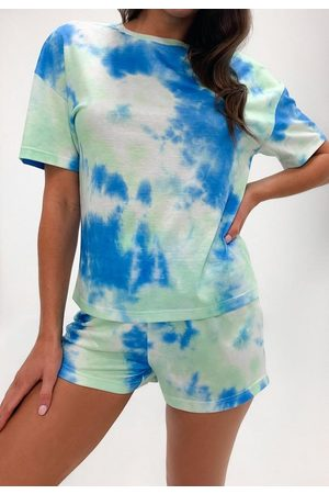 Missguided Petite Tie Dye T Shirt And Shorts Loungewear Set