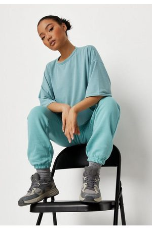 Missguided Petite Oversized Drop Shoulder T Shirt