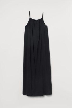 H&M Sleeveless Maxi Dress
