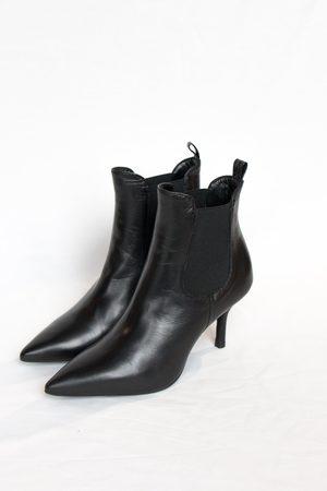 Portamento Uma Black Ankle Boots