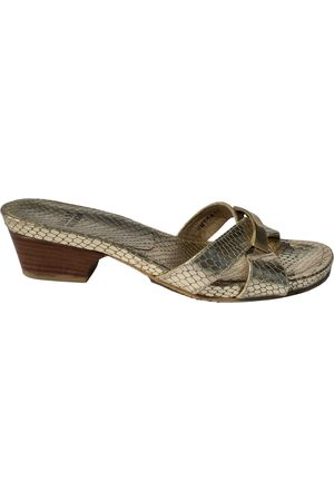 Stuart Weitzman \N Leather Mules & Clogs for Women
