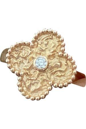 Van cleef \N Pink Ring for Women