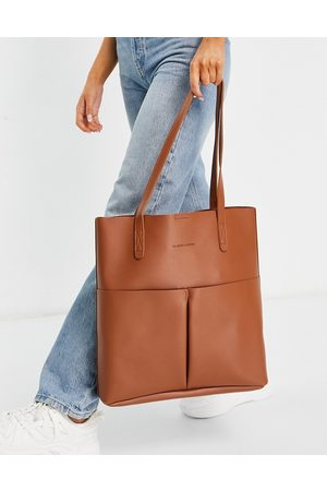 Claudia Canova Unlined two pocket tote bag with removable pouch in tan