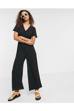 ASOS Short sleeve tea culotte jumpsuit in black-Blues