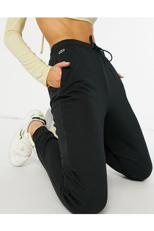 Lacoste Classic sweatpants in
