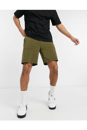 Columbia Lodge Woven shorts in khaki