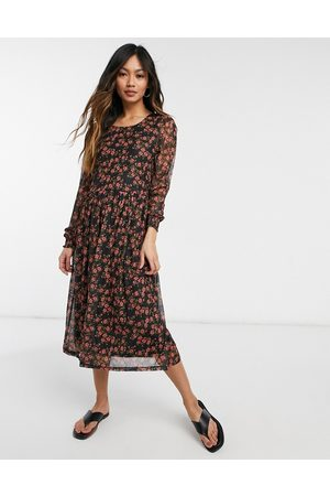 VILA Midi smock dress in red floral print-Multi