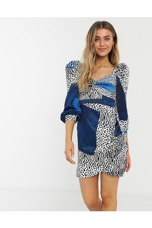 Liquorish Milkmaid mini dress with ruched sleeves in blue square leopard print-Blues