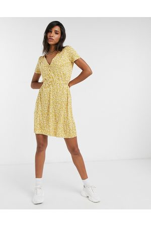 French Connection Aubi Ditsy Meadow jersey mini dress in
