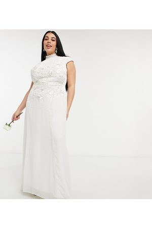 HOPE & IVY Bridal floral beaded and embroidered maxi dress with keyhole back in ivory