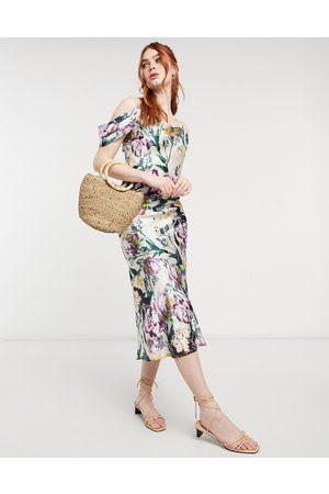 HOPE & IVY Cold shoulder satin slip midaxi dress in mixed botanical print-Multi