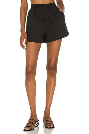 LPA Ace Shorts in .