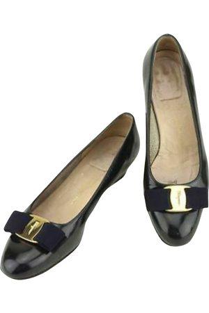 Salvatore Ferragamo \N Leather Ballet flats for Women