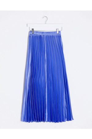 ASOS Satin pleated midi skirt in cornflower blue-Blues