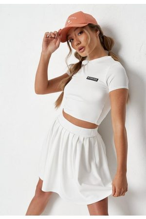 Missguided Badge Slinky Cropped T Shirt