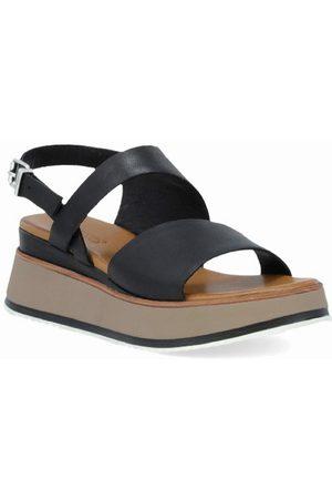 Inuovo Women's Stannie Platform Sandal