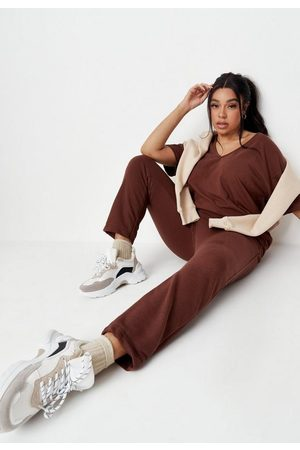 Missguided Women Loungewear - Plus Size V Neck T Shirt And Joggers Co Ord Set