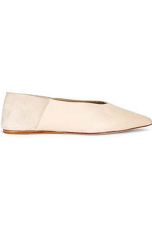 Studio Amelia Women Flat Shoes - Pointed Babouche Slipper Flat in Neutral