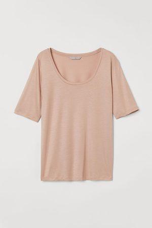 H&M Low-cut T-shirt