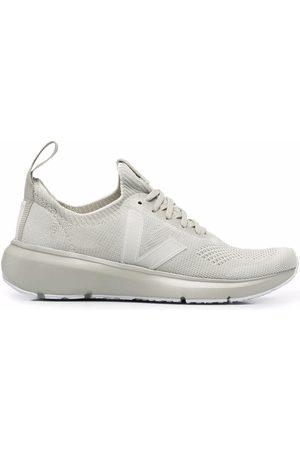 Veja Sneakers - Low-top sneakers