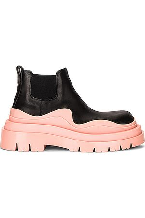 Bottega Veneta The Tire Ankle Boots in ,Pink