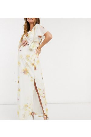 HOPE & IVY Bridesmaid cape back maxi dress with slit in soft yellow floral-Multi