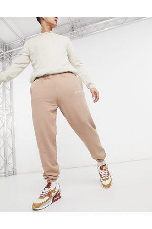 Mennace Essential regular sweatpants in stone-Neutral