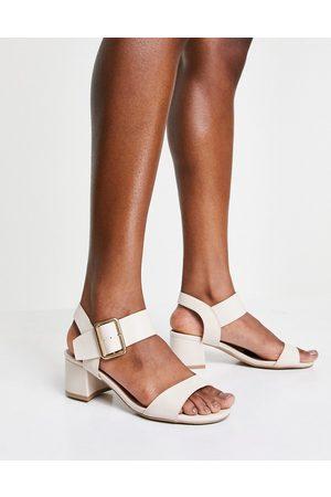 Qupid Mid block heel sandals in -Neutral
