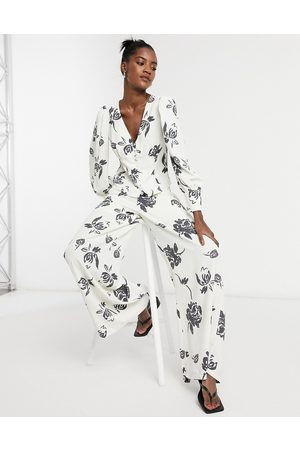 Glamorous Matching wide leg pants in bold floral
