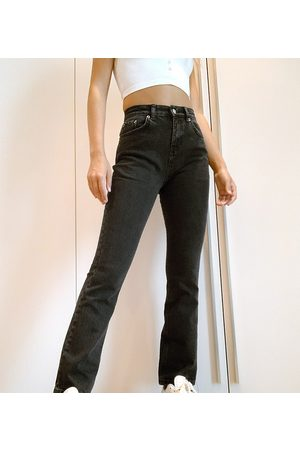 ASOS Women High Waisted - ASOS DESIGN Petite high rise '70's' stretch flare jeans in washed