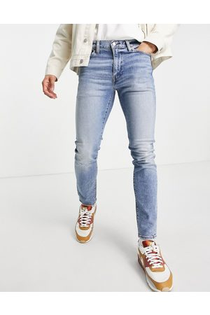 Levi's Men Skinny - 510 skinny fit jeans in hard hitter distressed flex stretch light indigo worn in wash-Blues