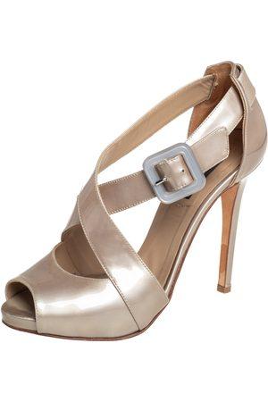 LE SILLA Women Platform Sandals - Grey Patent Leather Platform Ankle Strap Peep Toe Sandals Size 37