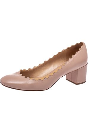 Chloé Women Heeled Pumps - Leather Lauren Scallop Trim Block Heel Pumps Size 37