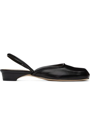 Low Classic Squared Toe Slippers