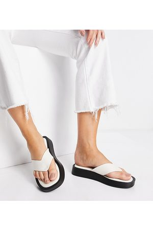 Raid Wide Fit Women Sandals - Dornea chunky toe post sandals in off