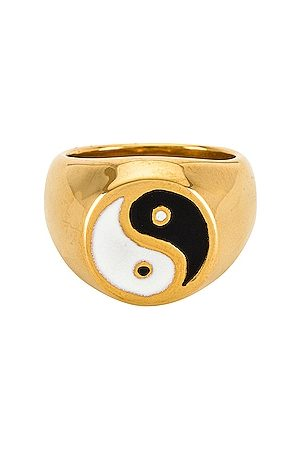 petit moments Ying Yang Ring in Metallic .