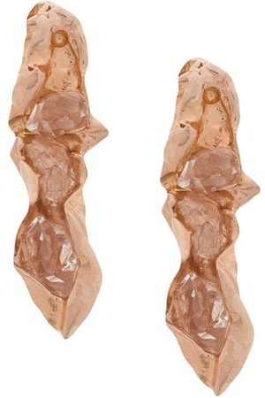 NIZA HUANG Crushed short studded earrings - Metallic