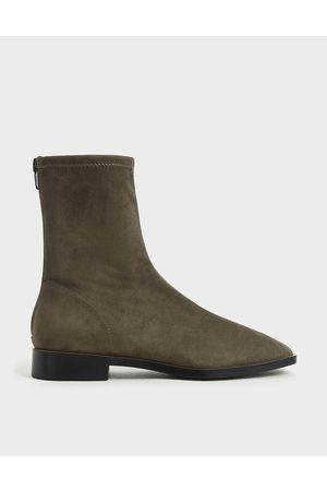 CHARLES & KEITH Zip Ankle Boots