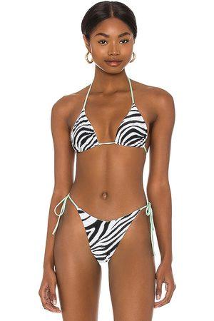 Bond Eye Reversible Slide In Bikini Top in Black,White.