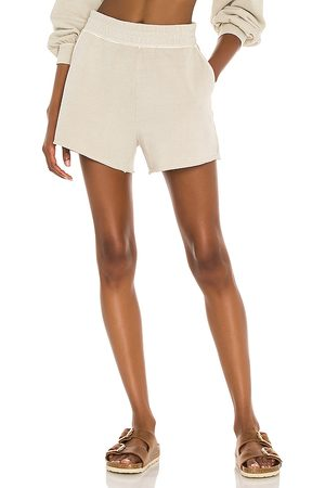 Rails Jane Short in Taupe.
