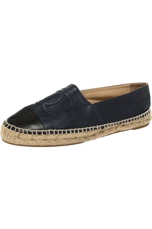 CHANEL And Black Leather CC Logo Espadrilles Size 40
