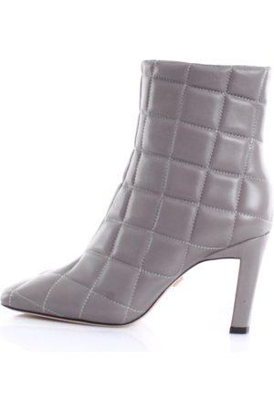 Lola Cruz Boots Women Grey